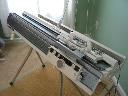 knitting machine, yes. | Want. | Pinterest | Máquina de tejer ...