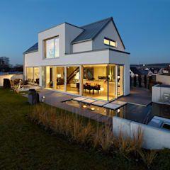 Lichtdurchflutetes Satteldach: Moderne Häuser Von Völse Architekten Bda