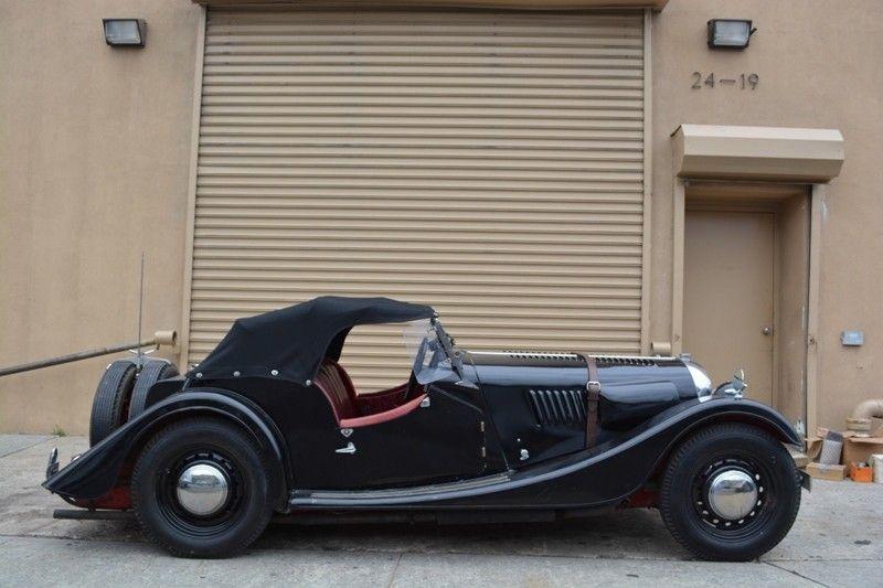 1953 Plus 4 Classy cars, Black steel wheels