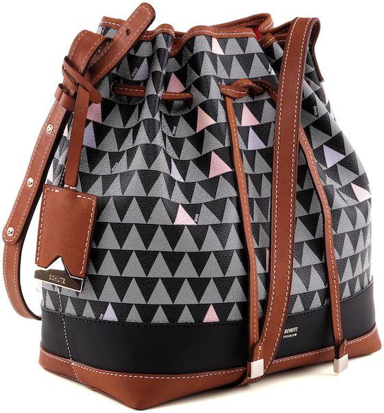501fe7c9b Schutz revela linha de bolsas com personalização … | Bolsos | Bags,…