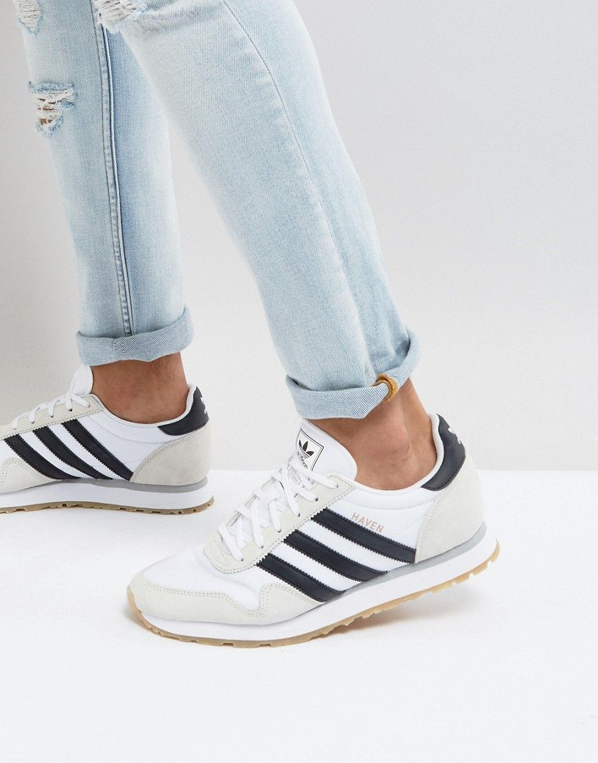 adidas originali sono le scarpe da ginnastica in bianco by9713 bianco