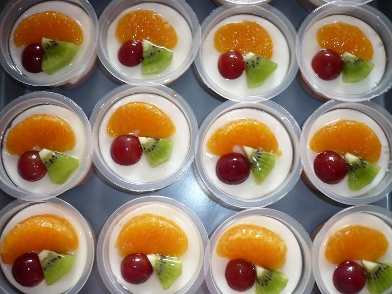 Fruit Pudding Mesa De Frutas Fiestas Mesas De Frutas Gelatinas