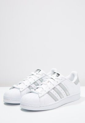 quality design 6c0d5 db069 adidas Originals SUPERSTAR - Matalavartiset tennarit - white silver  metallic core black