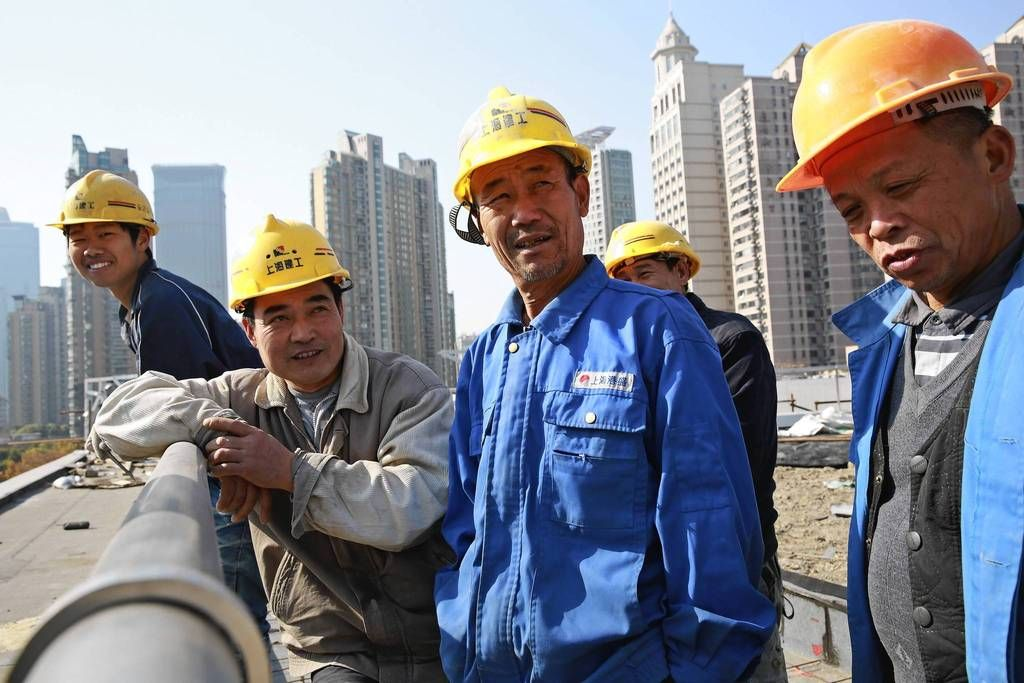 Construction Worker Fu Xuequn  Middle Talks About Working Far