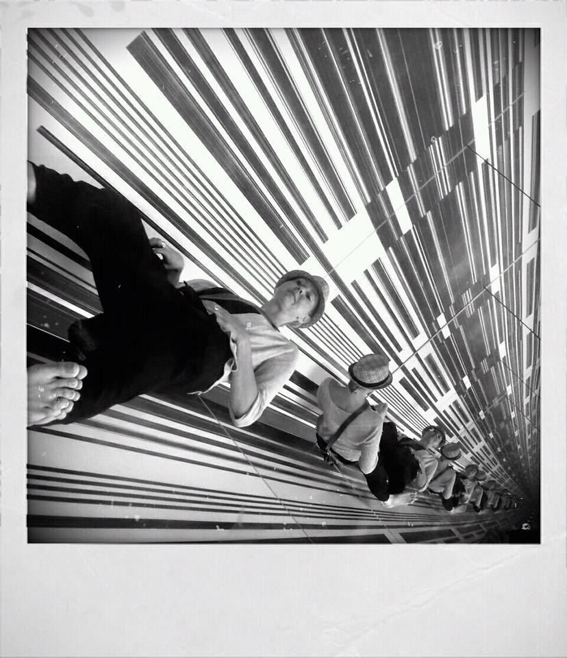 Infinity mirror   Man ray, Installation art, Photo