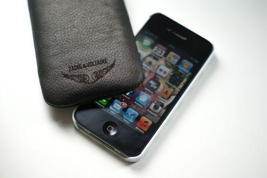 superbe pouch zadig pour tous les iphone 5 et 5s les accessoires pour iphone zadig voltaire. Black Bedroom Furniture Sets. Home Design Ideas