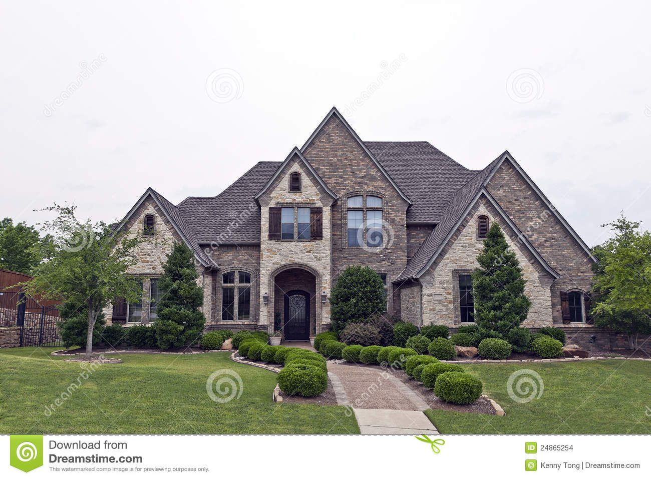 Rock and stone homes beautiful two story luxury brick for Luxury home exterior