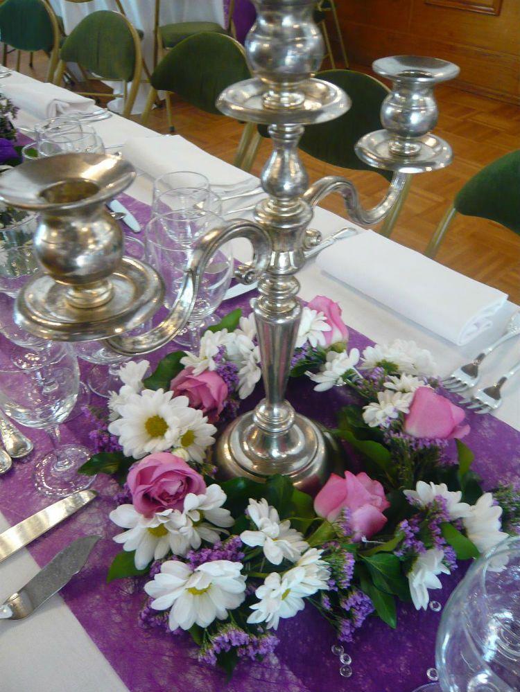 centre de table fleur chandelier fleur mariage. Black Bedroom Furniture Sets. Home Design Ideas