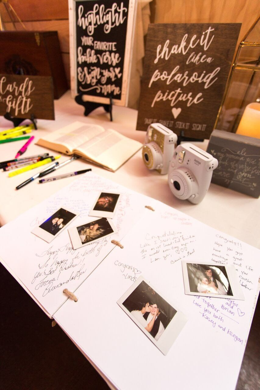 Polaroid Wedding Guest Book Station In 2020 Gastebuch Hochzeit Polaroid Hochzeit Fotobox Hochzeit