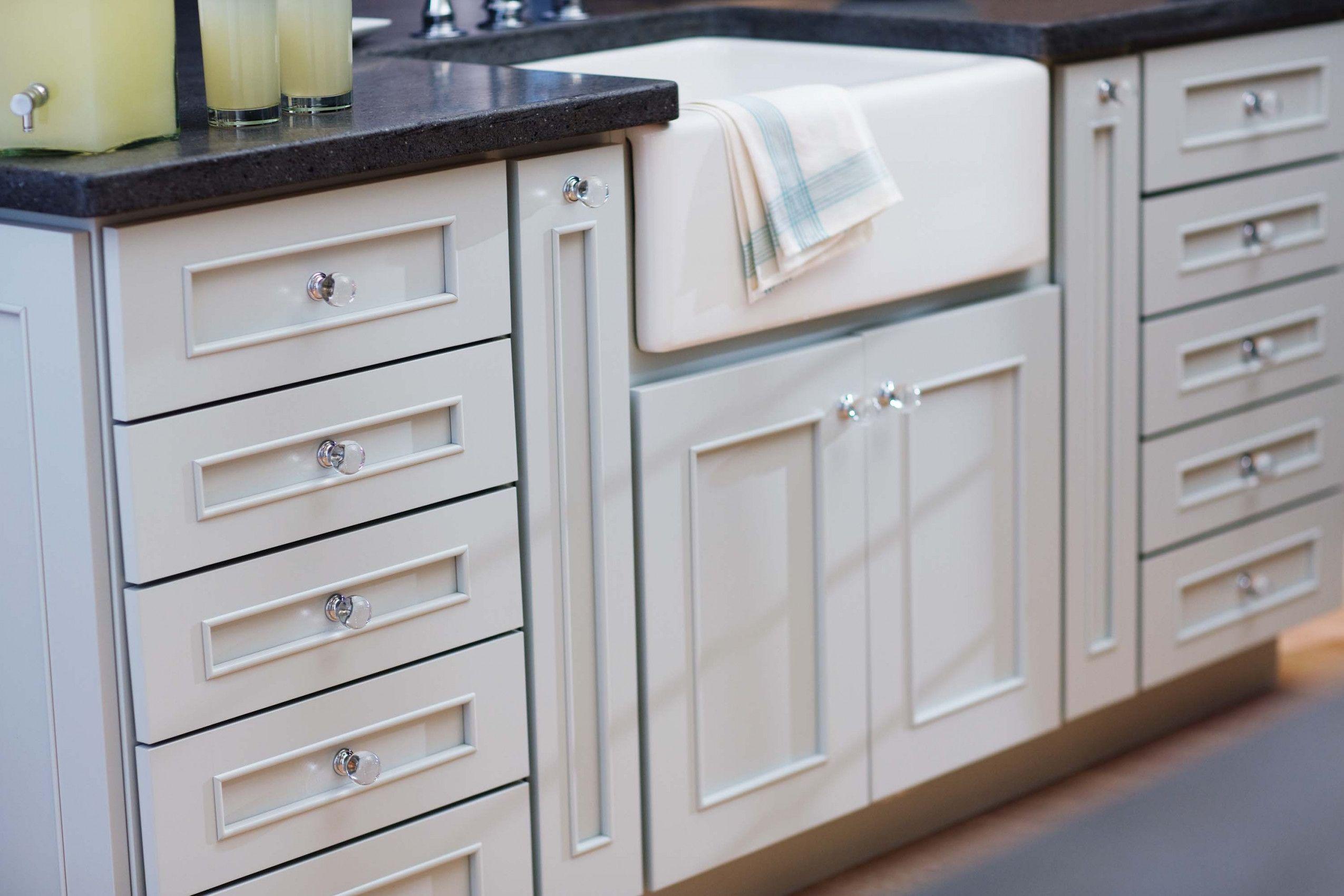 Bad Schrank hardware - Das cabinet hardware ist ein element, das ...