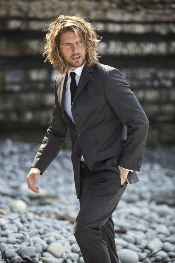 Dynamic Men S Hairstyles Works With Suits 12 Herenkapsels Herenkapsels Lang Lang Haar Man