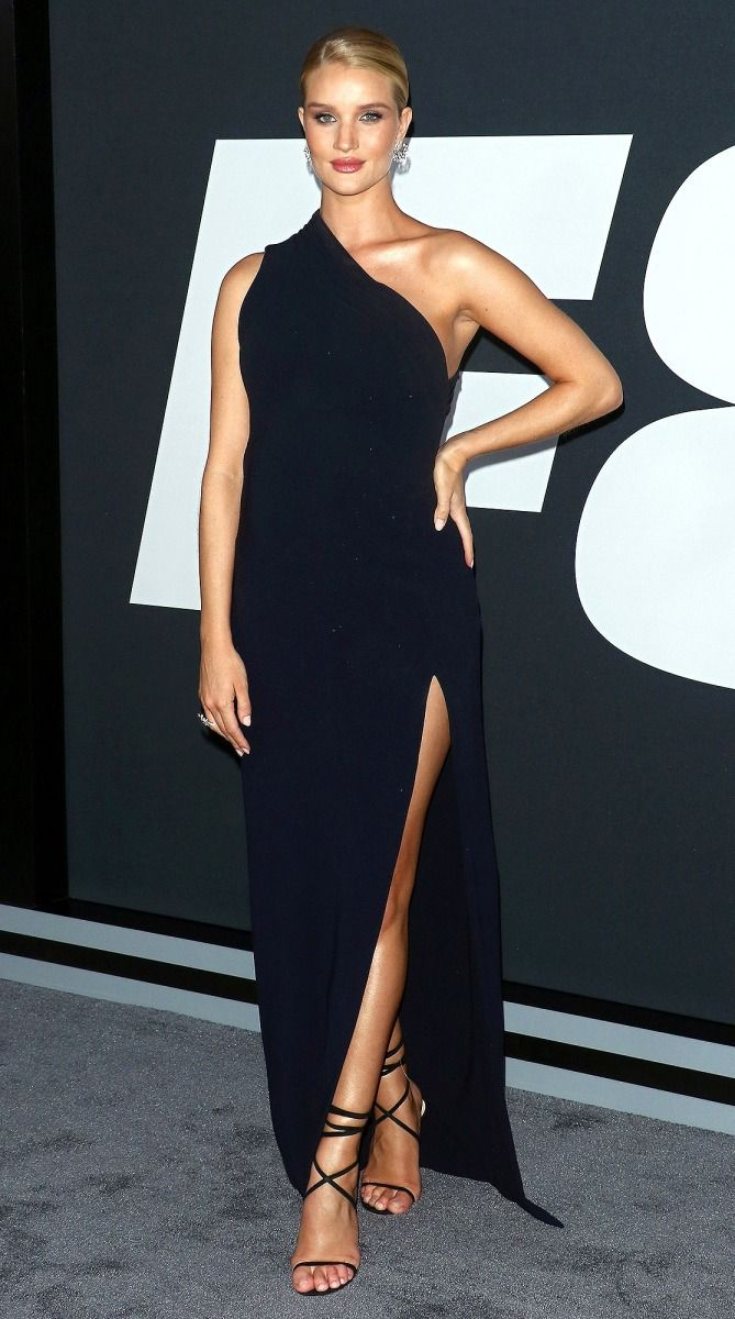 Last Night S Look Love It Or Leave It Rosie Huntington Whiteley Style Celebrity Style Red Carpet Black One Shoulder Dress