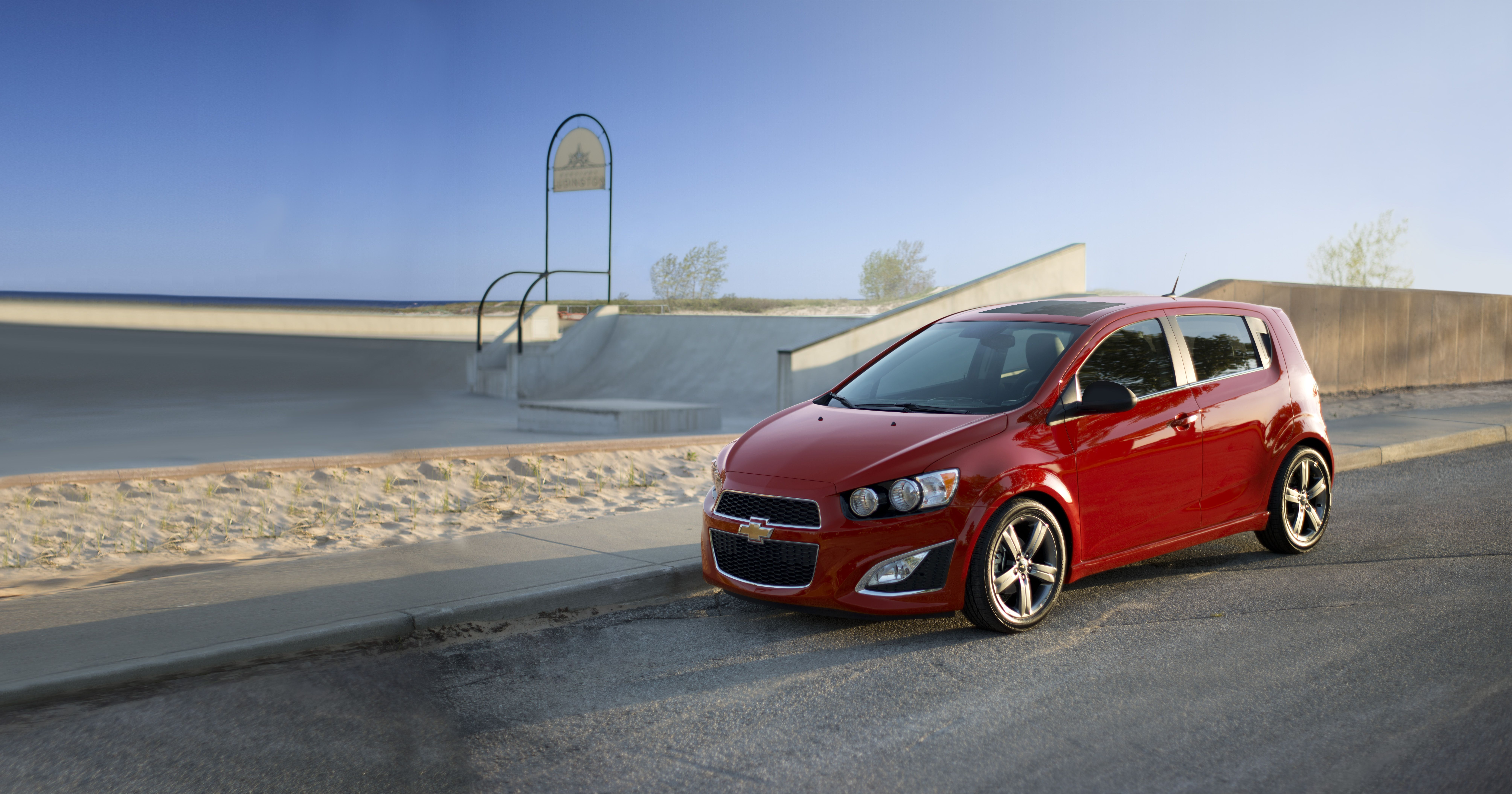 Chevrolet Sonic RS Turbo ven y conocelo en Unicars