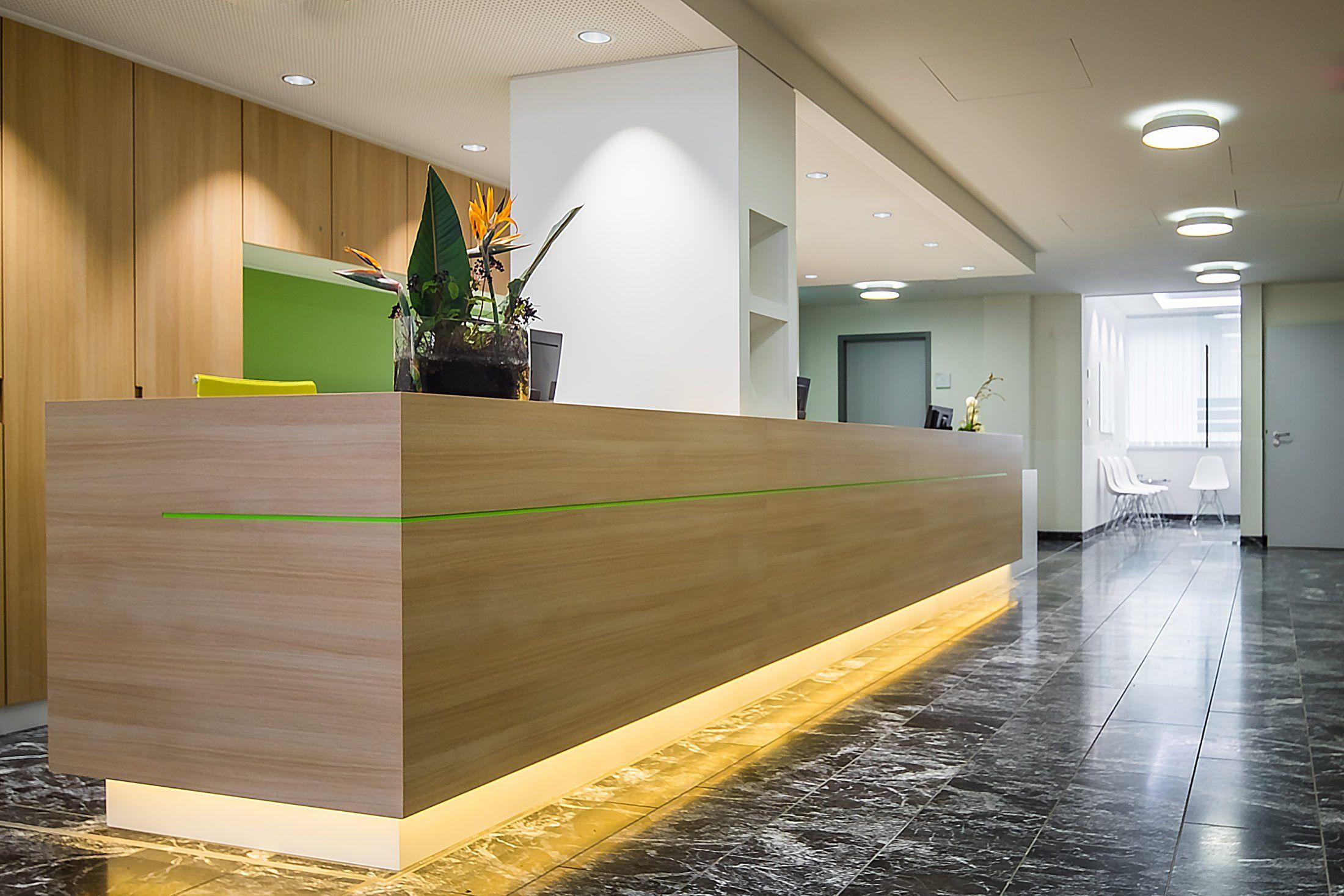 Rgp Architekten Klinik Munchen Raumtrenner Empfang Theke Raumteiler Architekt Rezeption