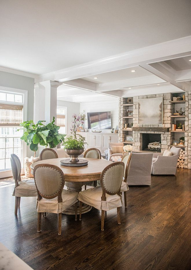 Interior Design Of Dining Room: Round Dining Table. Open Dining Room With Round Dining
