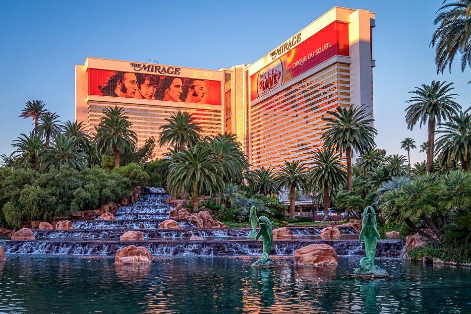 The Mirage Mirage Las Vegas Mirage Hotel Las Vegas Vegas Holiday