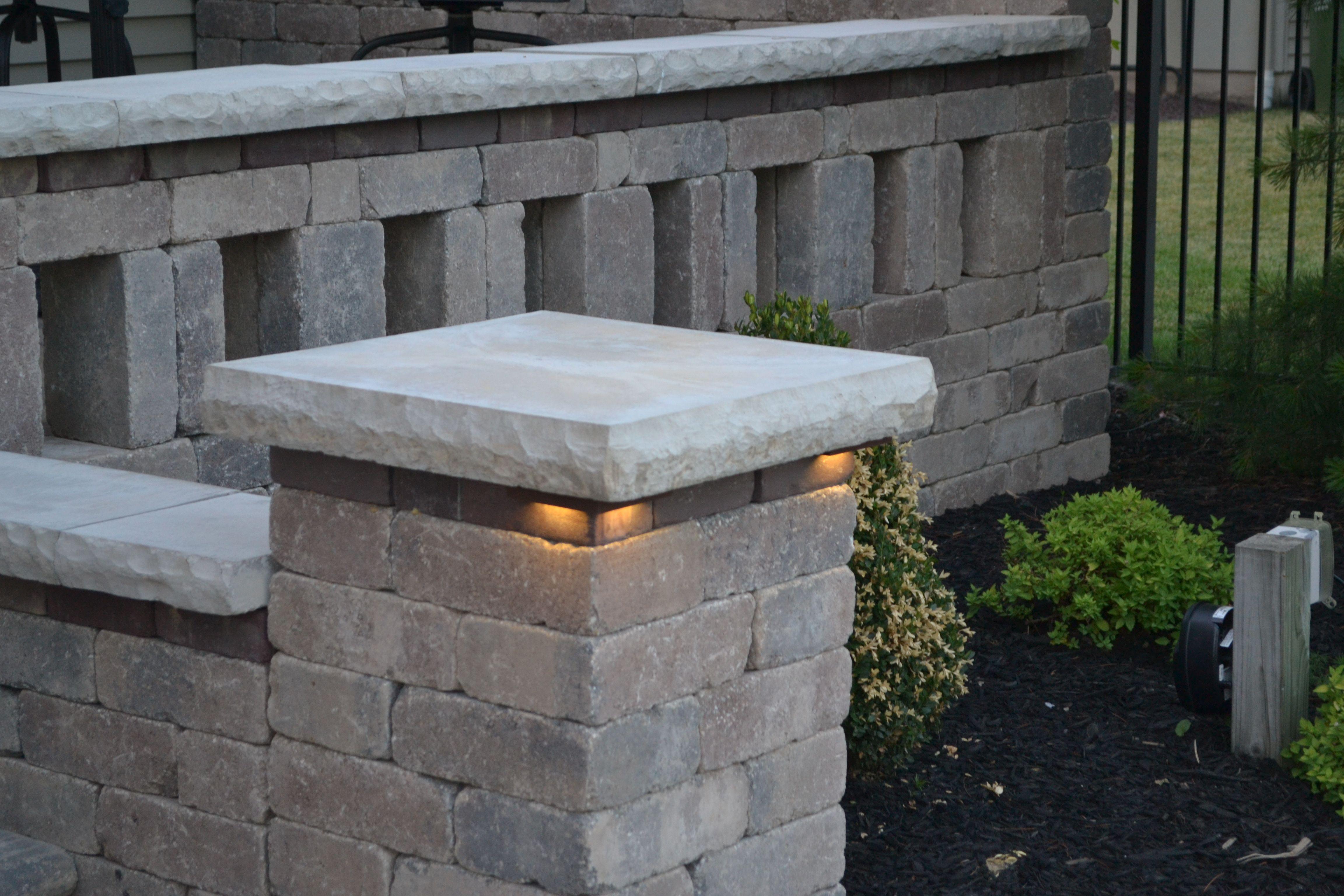 Kerr Lighting Led Lights For Steps Wall And Pillar Caps Sek Surebond Hardscape Lighting Retaining Wall Lighting Led Outdoor Lighting