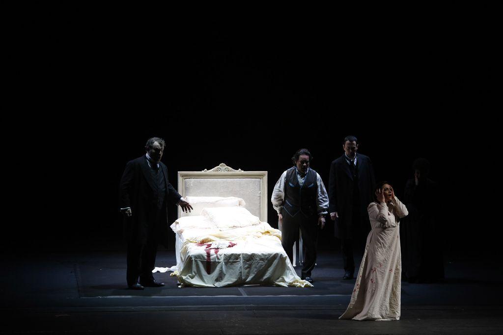 La #Traviata all'Hong Kong Arts Festival. Tournée del Teatro di San Carlo.  Foto Kit Chan / Hong Kong Arts Festival