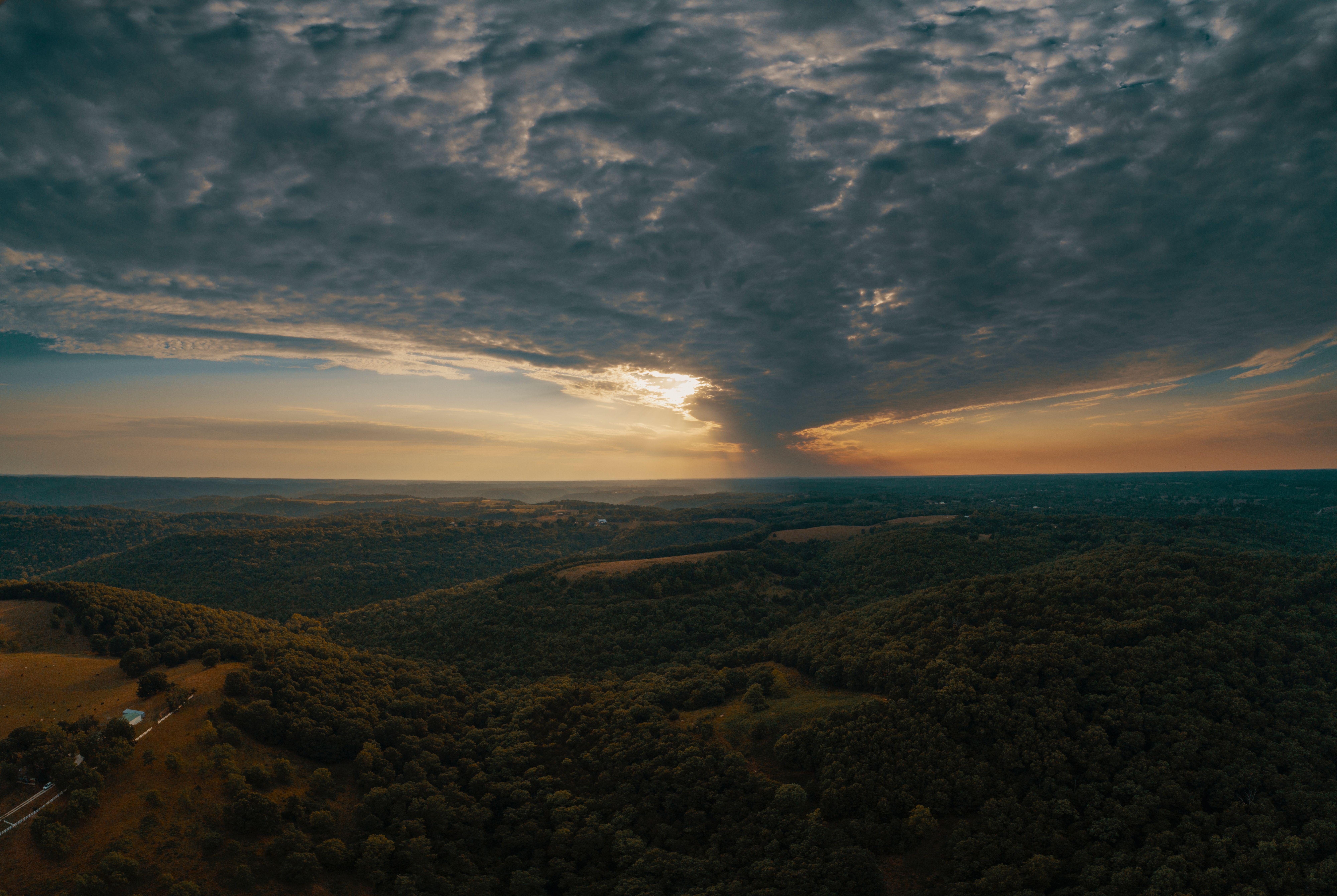 Aerial View Of Mountains By Josh Sorenson Maintenant Disponible Sur Wphotographie Com Tableaux De Photographies Amate Coucher De Soleil Photographie Instagram