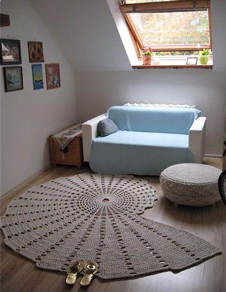 75 modelos de tapetes de barbante para inspirar crochet for Modelos de salas pequenas