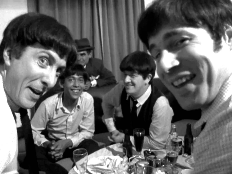 """Sapete che Eric Idle dei Monty Python ha suonato in una cover band parodistica ispirata ai Beatles e che da questa esperienza è nato un mockumentary? Questa e altre curiosità nell'approfondimento di Nientepopcorn.it dedicato a """"I Beatles nel cinema""""! http://www.nientepopcorn.it/beatles-nel-cinema-30769/"""