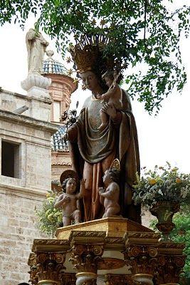 La Roca De La Puríssima; Corpus Cristi. Valencia, Spain. Madonna and child. The Virgin.