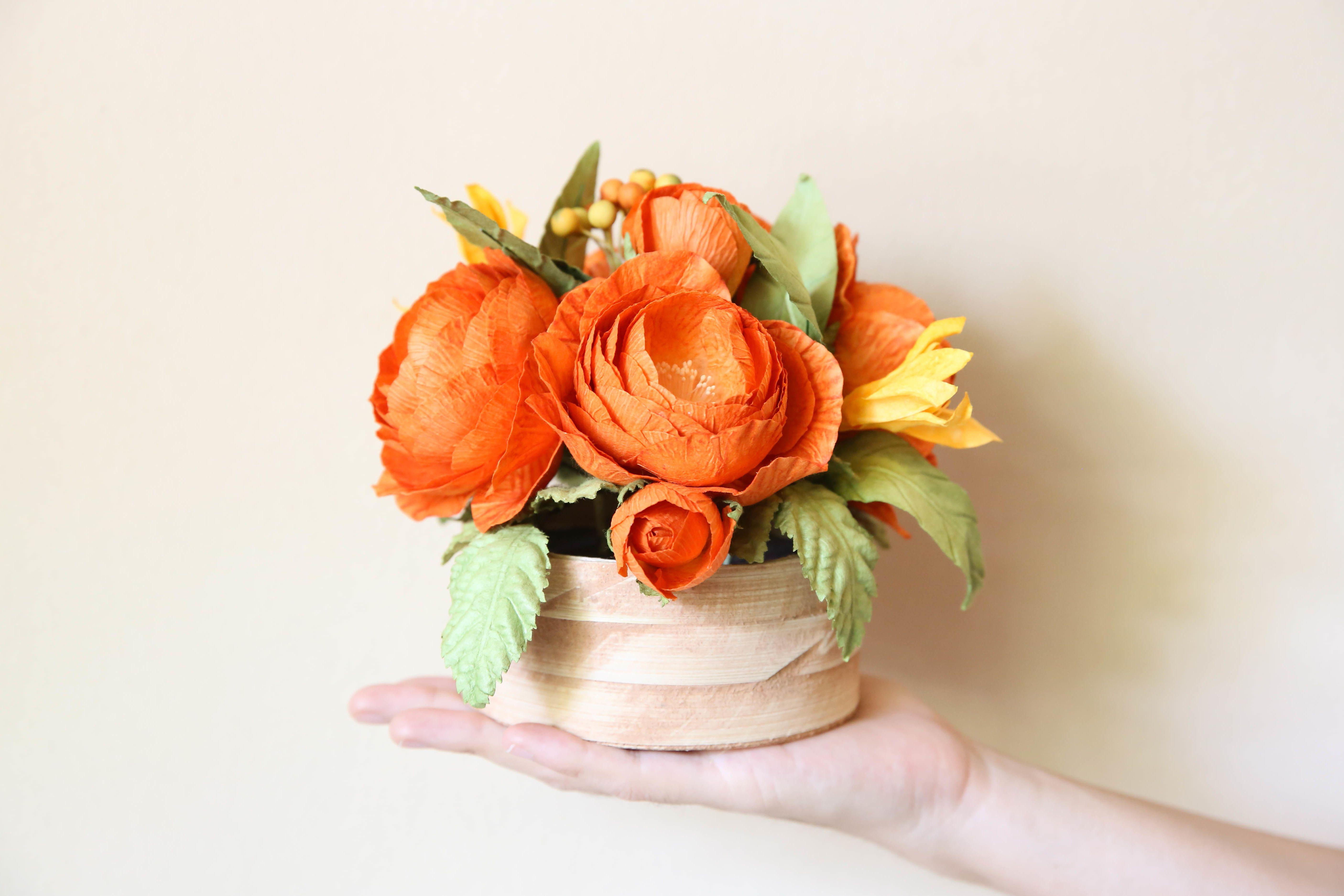 Bastelanleitungen Fur Die Hochzeit Blumen Aus Krepppapier Paper Flowers Paper Flowers Diy Paint By Number Kits