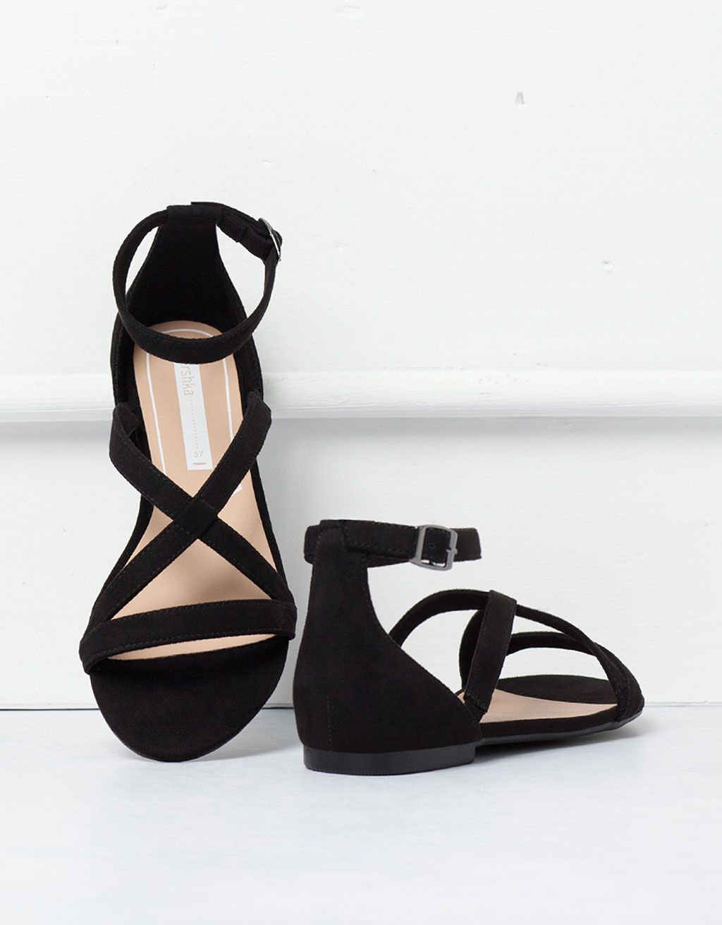 660668d853 BSK crossed sandals - Shoes - Bershka Hungary Sandalias Planas Negras,  Sandalias Bajitas, Zapatillas