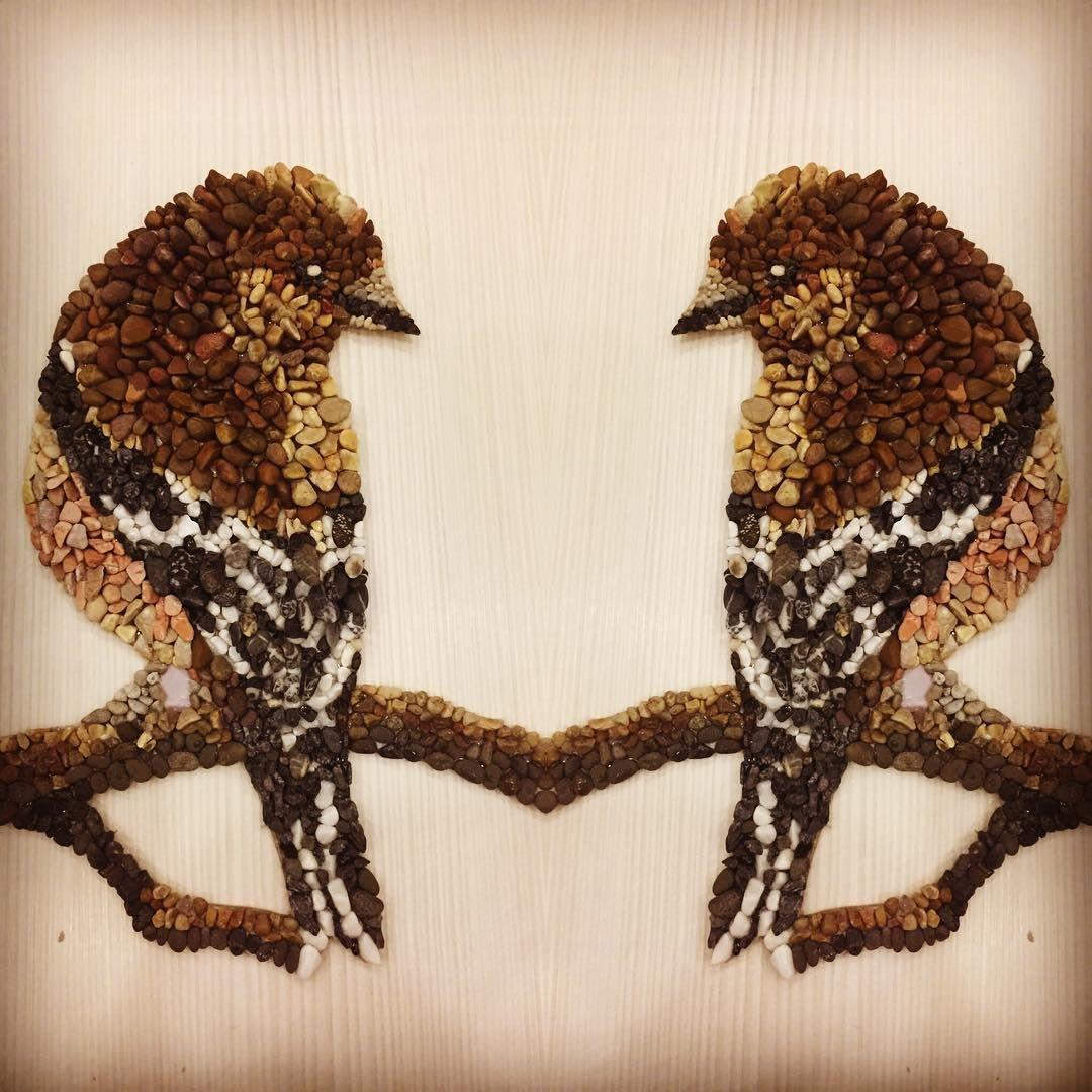 #bahar #pebblemosaic #pebbleart #tablo#ispinoz #mozaika #mozaik #bird #kuş #çakıltaşı #taş #marblepainting