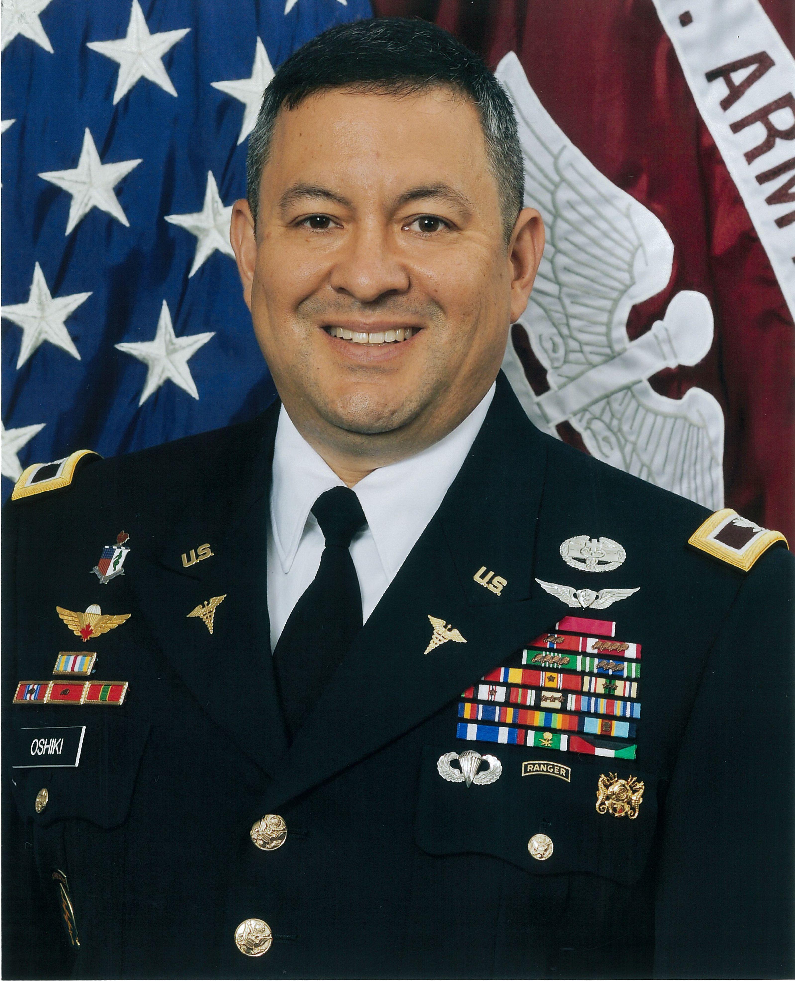 Colonel Michael S. Oshiki, Commander, Fox Army Health