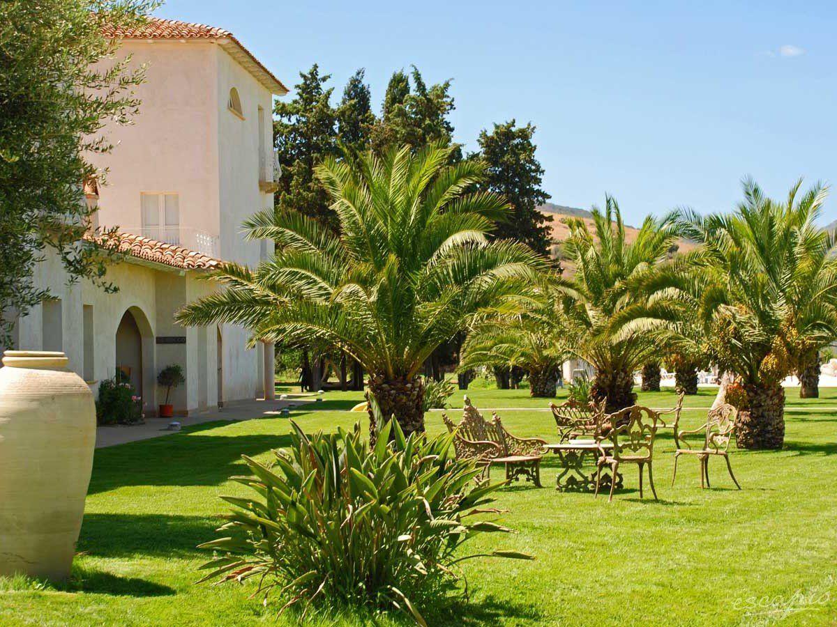 Tartheshotel in Guspini, Italy Relaxing and enjoying the