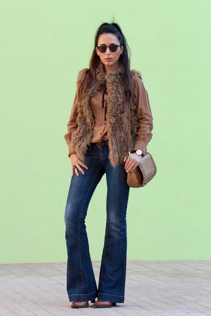 Look estilo boho hippie chic con vaqueros jeans acampanados y ...
