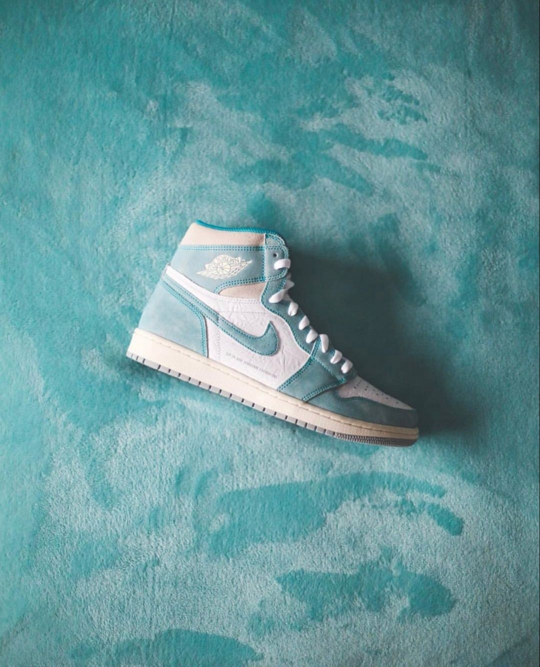 Air Jordan 1 Retro High Og Turbo Green White Light Smok Hype