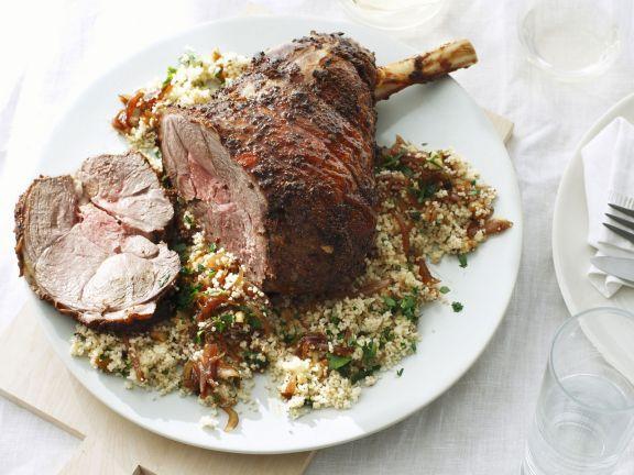 Probieren Sie die leckere Lammkeule auf Couscous von EAT SMARTER oder eines unserer anderen gesunden Rezepte!