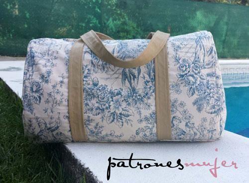 cf6814255a4 Bolsa de viaje DIY. Hazte tu propio modelo de bolsa de tela para viajar con  los pasos que nos muestra PATRONES MUJER.