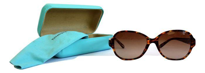 d28b20b66eb Nu in de  Catawiki veilingen  Tiffany   Co - TF4016-B zonnebril - inclusief  alle toebehoren