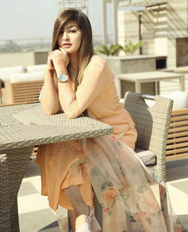 Pin By Nehadesai On Simple Salwar Kamiz Stylish Girl Indian Designer Wear Girls Dpz