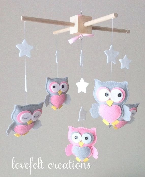 Diy felt pink owls animal baby mobiles with hearts and for Diy baby mobile felt