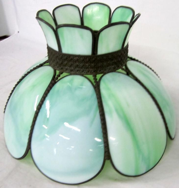 Tiffany Style Lamp Shade, Green Slag Glass, Tulip! Possible For Bedroom?