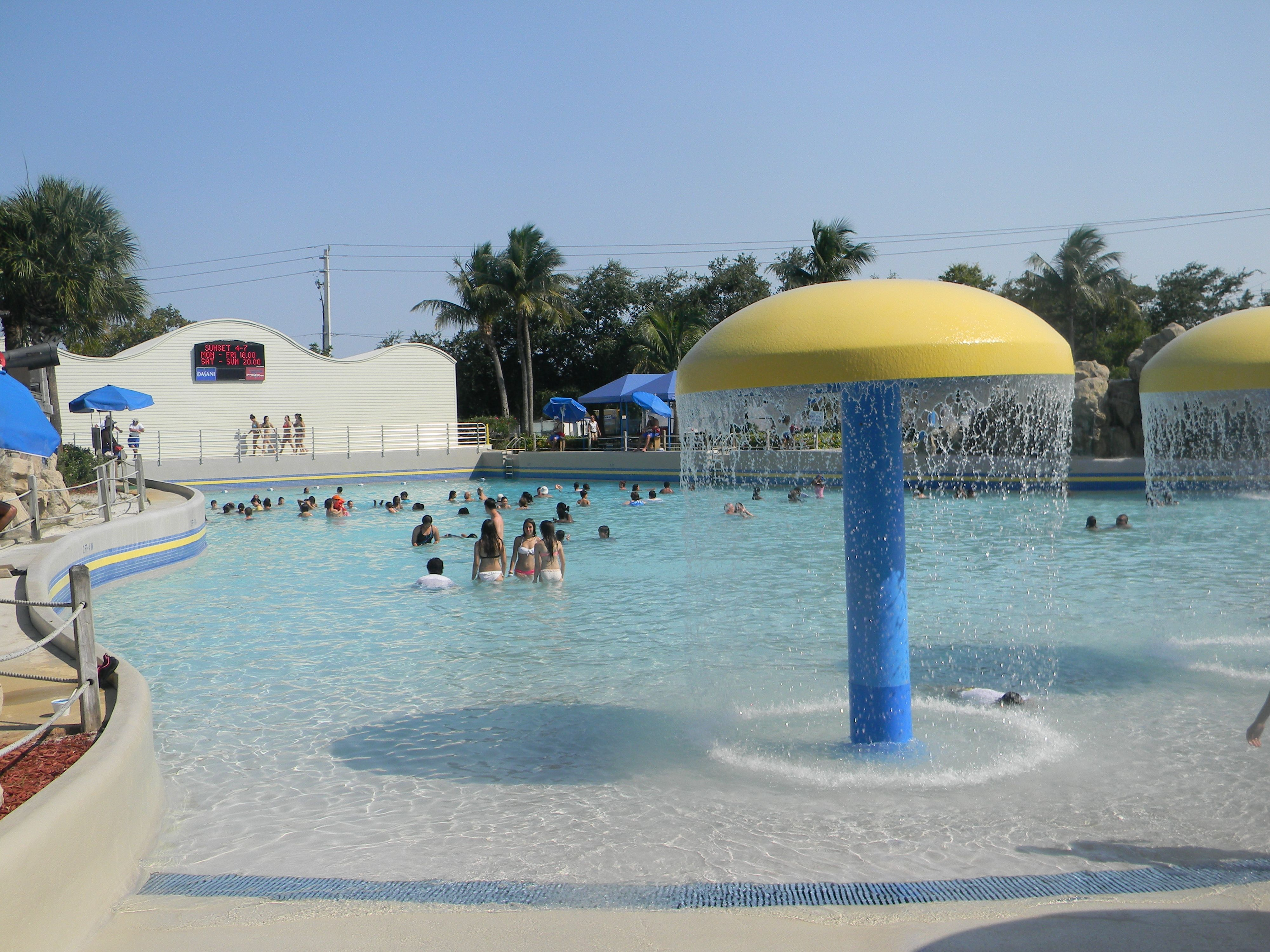 Surf Wave Pool At Rapids Water Park In West Palm Beach Fl Www