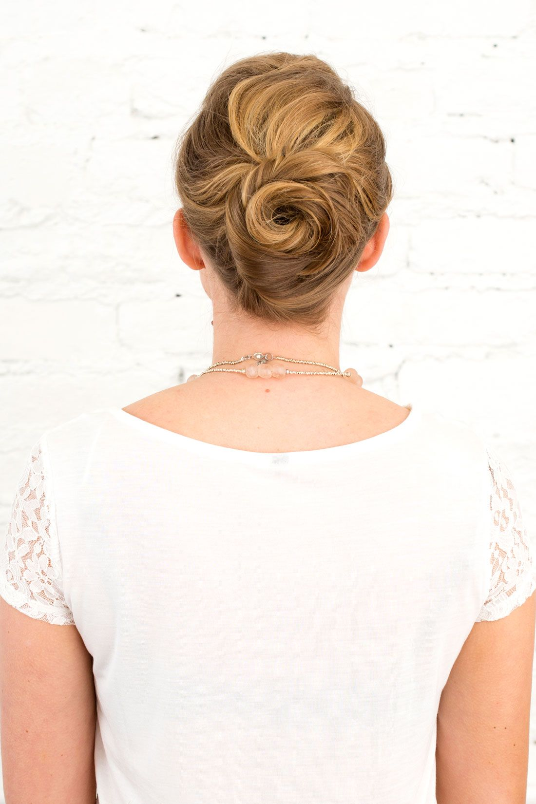 3 Wedding-Ready Updos Perfect for Medium Length Hair | Medium length ...