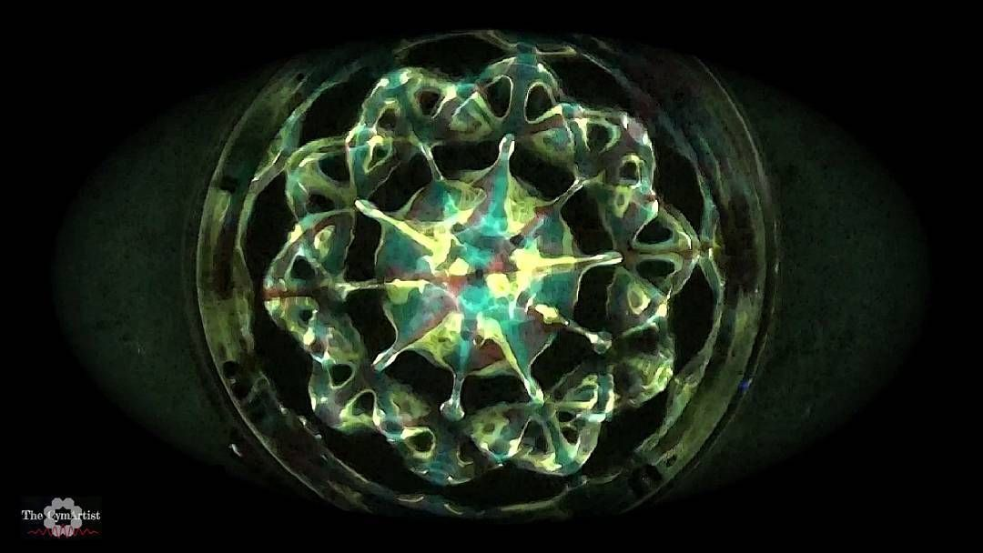 cymatics #cymatic #thecymartist #432hz #8Hz #sound #water