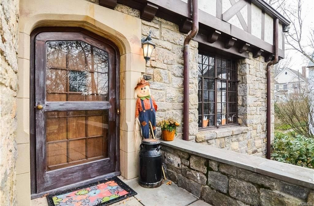 Scarsdale New York Tudor Style Front Door Homes Sweet Homes