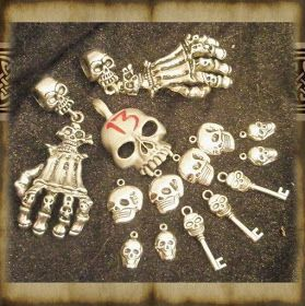 What's Bubbling At Cauldron Craft Miniatures?: Dollhouse Miniature Tutorial: How to find spooky bits to make Halloween miniatures #dollhouseminiaturetutorials