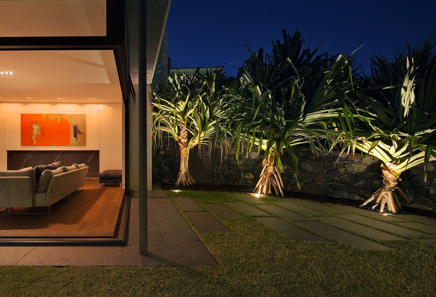 lighting in gardens. pandanus utilis within lawn south coogee nsw australia anthony wyer associates http lighting in gardens