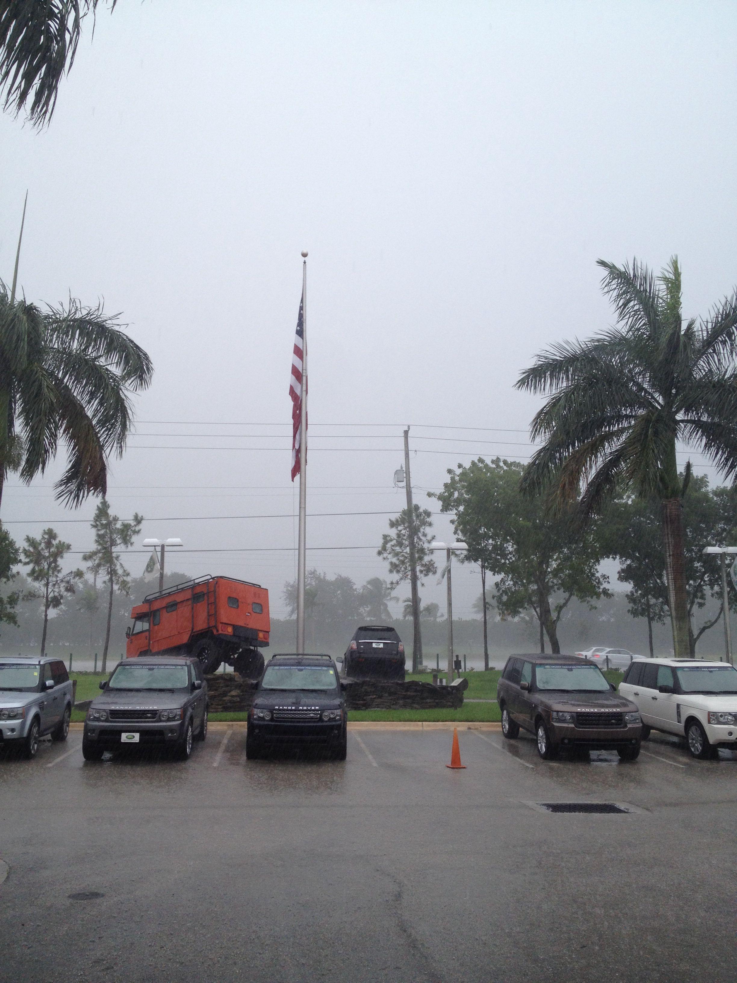 It's raining Range Rovers! landroverpalmbeach rangerover