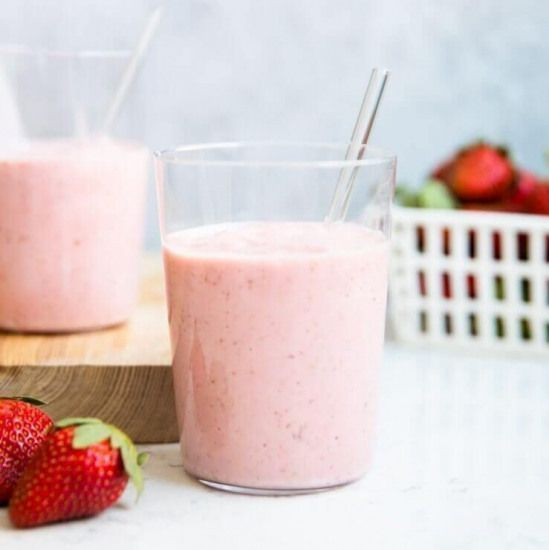 This healthy strawberry banana smoothie recipe is the perfect way to welcome the new year! It only takes 5 ingredients and 5 minutes to make. It's the perfect drink for those sweet cravings. #detoxdiet #healthystrawberrybananasmoothie This healthy strawberry banana smoothie recipe is the perfect way to welcome the new year! It only takes 5 ingredients and 5 minutes to make. It's the perfect drink for those sweet cravings. #detoxdiet #healthystrawberrybananasmoothie This healthy strawberry banana #healthystrawberrybananasmoothie