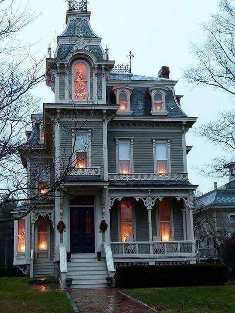 Queen Anne Gothic Victorian House At Christmas Note Christmas Tree In The Top Floor Window Victorian Homes Gothic House Victorian Style Homes