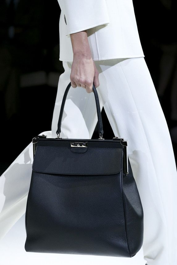 Giorgio Armani Spring 2015 Ready-to-Wear Fashion Show - Vogue