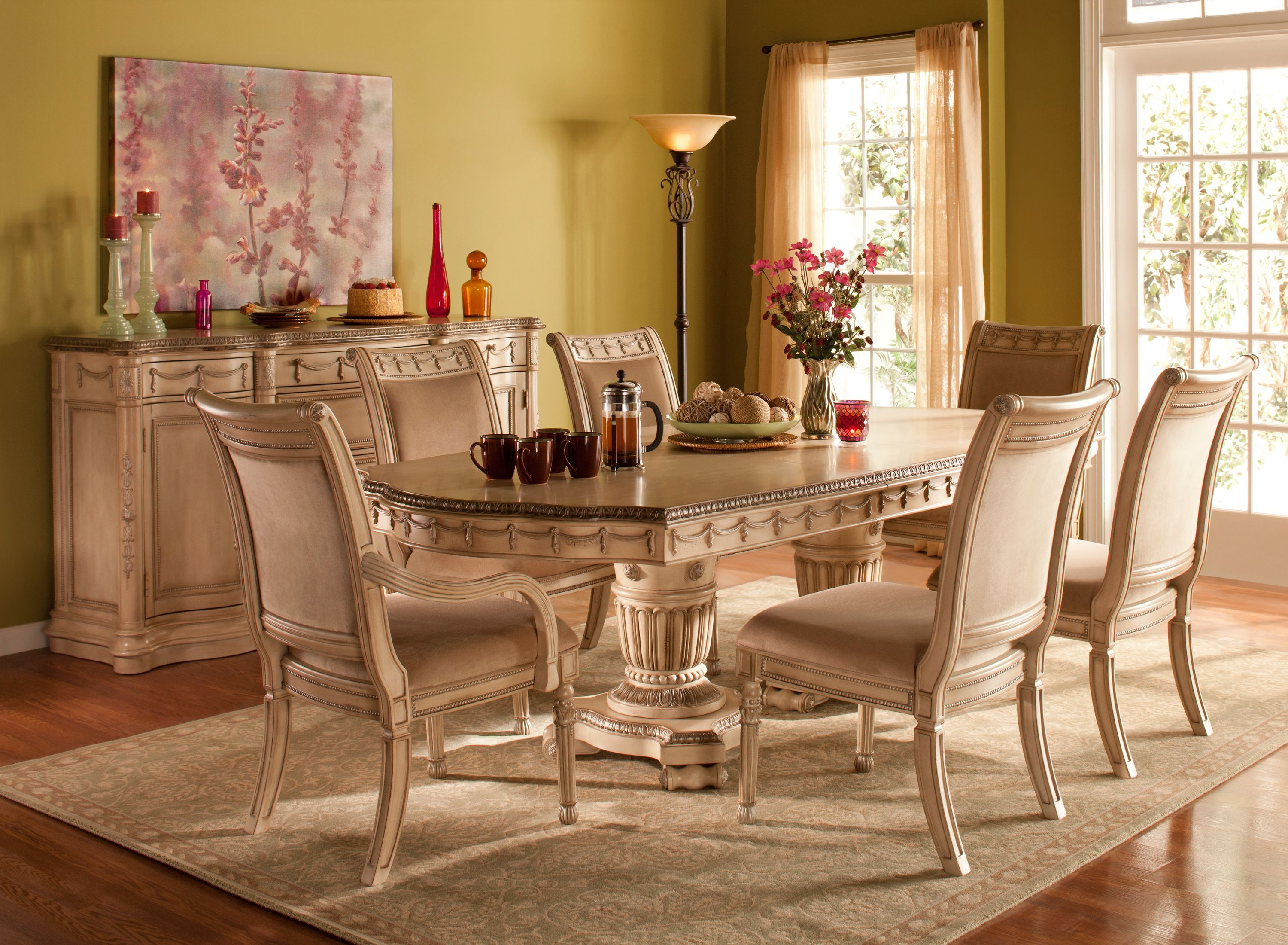 Empire dining set treat your dining room to the for Beautiful traditional dining rooms